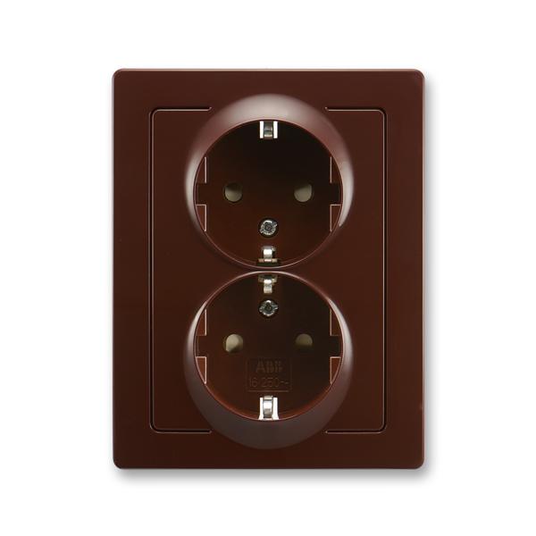 Zásuvka jednonásobná s ochrannými kontaktmi (podľa DIN), s clonkami, Swing®L, hnedá