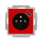 Zásuvka jednonásobná s ochranným kolíkom, s clonkami, s USB nabíjaním, Levit®, červená / dymová čierna