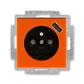 Zásuvka jednonásobná s ochranným kolíkom, s clonkami, s USB nabíjaním, Levit®, oranžová / dymová čierna