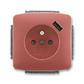 Zásuvka jednonásobná s ochranným kolíkom, s clonkami, s USB nabíjaním, Tango®, vresová červená