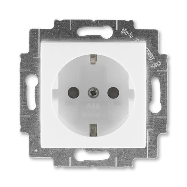 Zásuvka jednonásobná s ochrannými kontaktmi (podľa DIN), s clonkami, Levit®, biela / ľadová biela