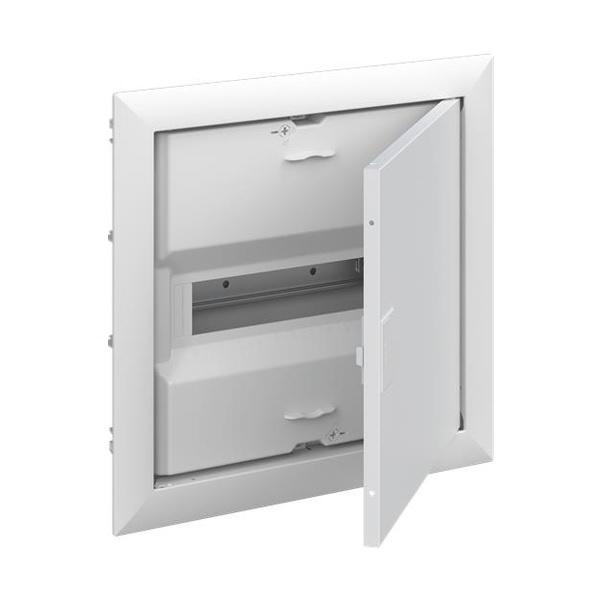 Rozvodnica zapustená UK600, IP 30, plechové plné dvere, 12 M