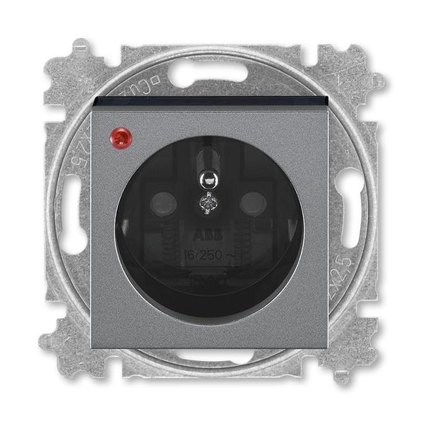 Zásuvka jednonásobná s ochranným kolíkom, s clonkami, s ochranou pred prepätím, oceľová / dymová čierna