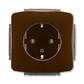 Zásuvka jednonásobná s ochrannými kontaktmi (podľa DIN), s clonkami, Tango®, hnedá